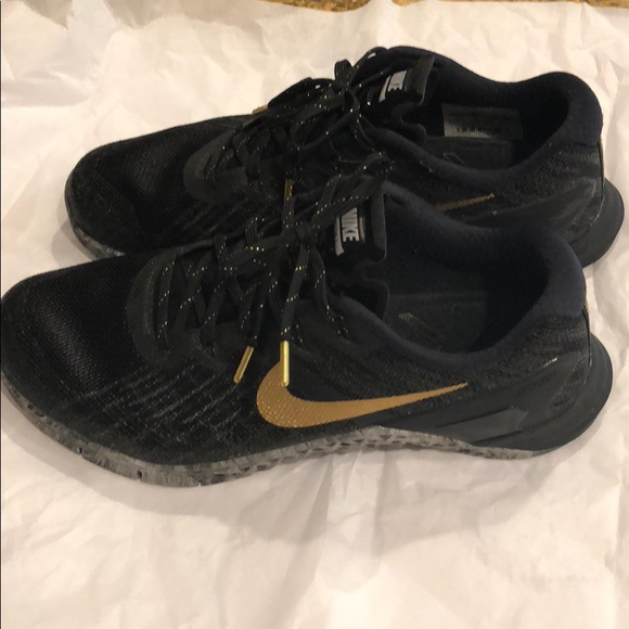 1964db9f6457f9 Nike Metcon 3 AMP Women s Training Shoes. M 5a64e26f3a112ef2aad36b0a